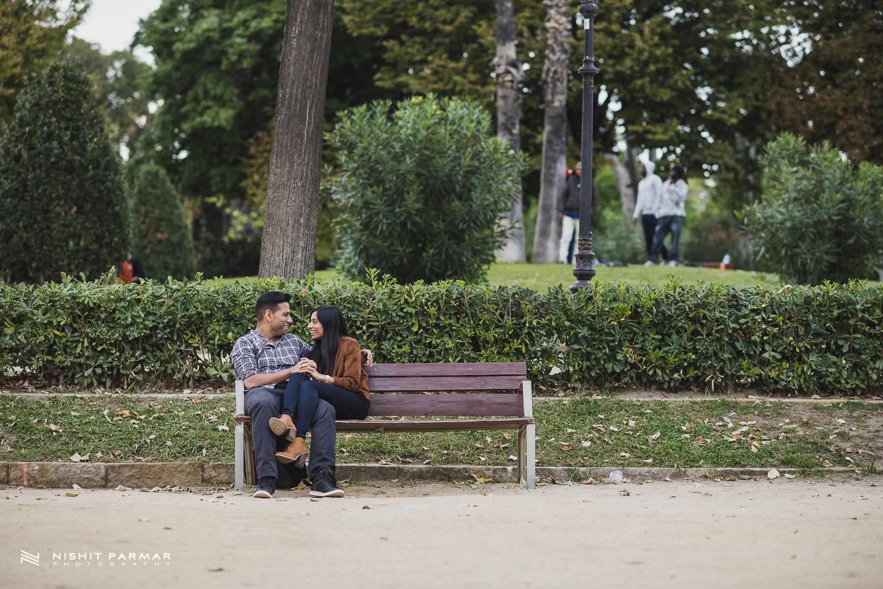Barcelona Prewedding Shoot Park Bench Inspiration