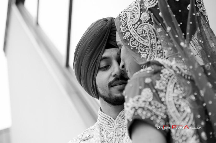Jas-Bal-Wedding-Reception-NishitParmarPhotography-Wolverhampton-15