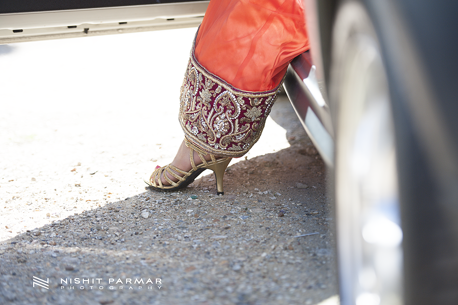 Swaminarayan-Temple-Stanmore-Engagement-Nishit-Parmar-Photography-Asian-Wedding-Photographer-4