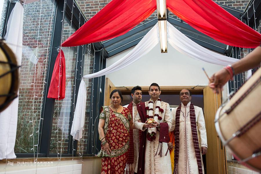 Asian Wedding Photography at Baylis House Hindu Wedding Nishita and Upesh