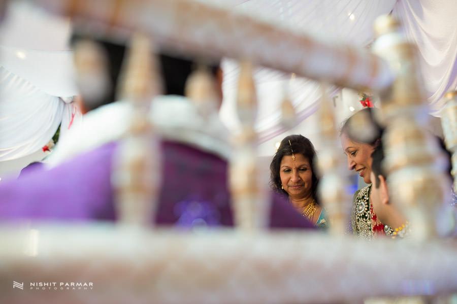Asian Wedding at Baylis House Hindu Wedding Nishita and Upesh