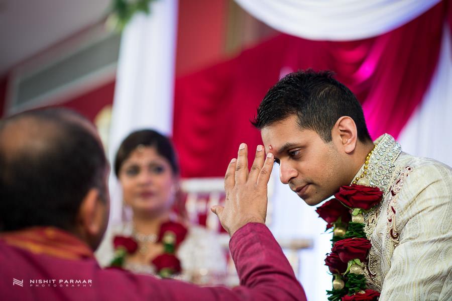 Indian Wedding Photography at Baylis House Asian Wedding Nishita and Upesh