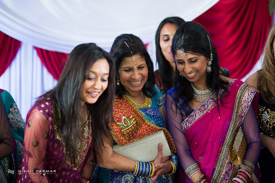 Asian Wedding Pictures at Baylis House Hindu Wedding Nishita and Upesh