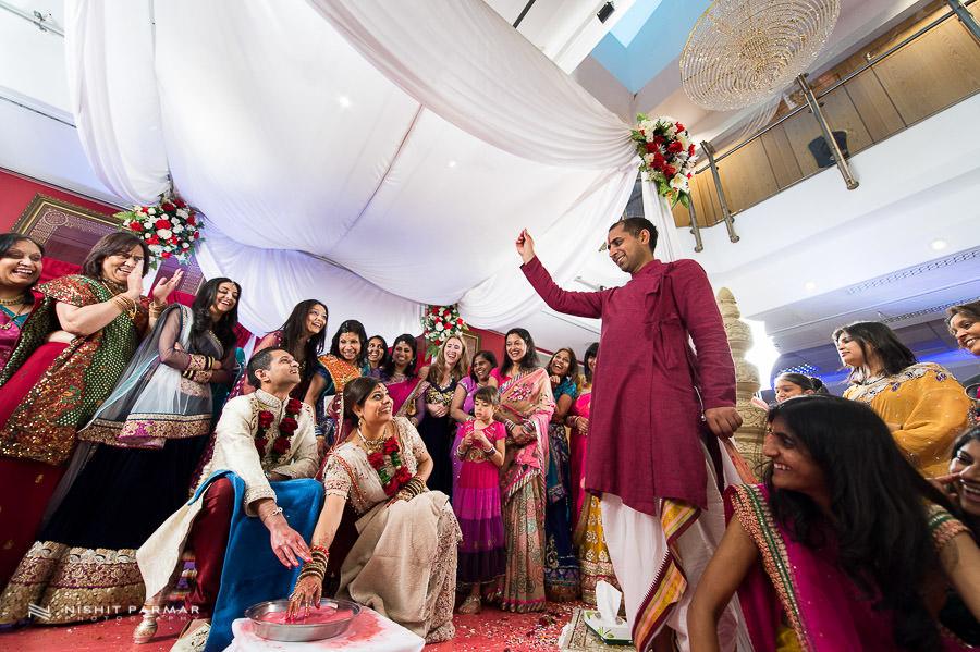 Asian Wedding Photos at Baylis House Hindu Wedding Nishita and Upesh