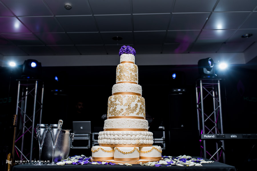 London Oval Indian Wedding Cake Cupcake Avenue
