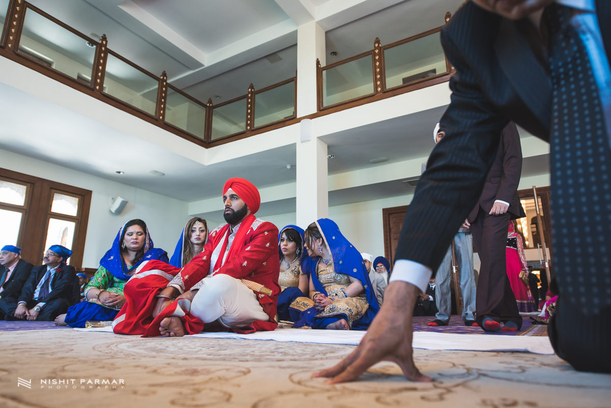 Aman and Gurpreet Gravesend Gurudwara Quendon Hall Wedding Photography Asian Wedding Photographer Indian Weddings Sikh Wedding Photography-23
