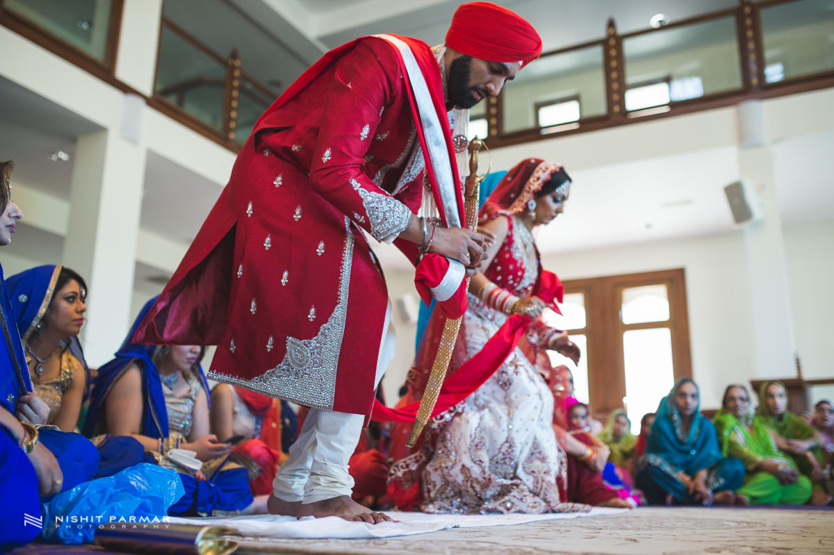Aman and Gurpreet Gravesend Gurudwara Quendon Hall Wedding Photography Asian Wedding Photographer Indian Weddings Sikh Wedding Photography-27