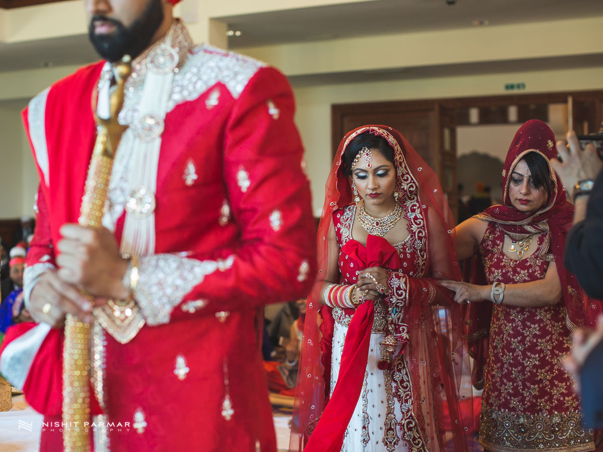 Aman and Gurpreet Gravesend Gurudwara Quendon Hall Wedding Photography Asian Wedding Photographer Indian Weddings Sikh Wedding Photography-28