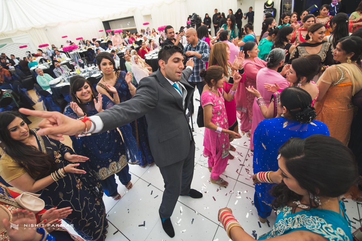 Aman and Gurpreet Gravesend Gurudwara Quendon Hall Wedding Photography Asian Wedding Photographer Indian Weddings Sikh Wedding Photography-46