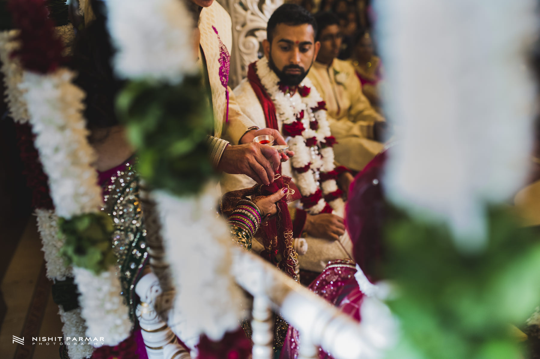 Hindu Wedding Tying the Bride and Groom Together