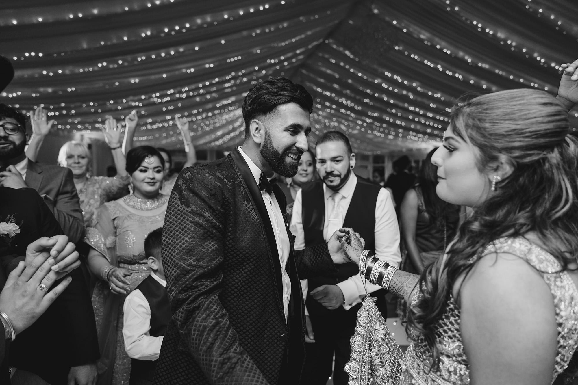 bride and groom dancing on the dancefloor