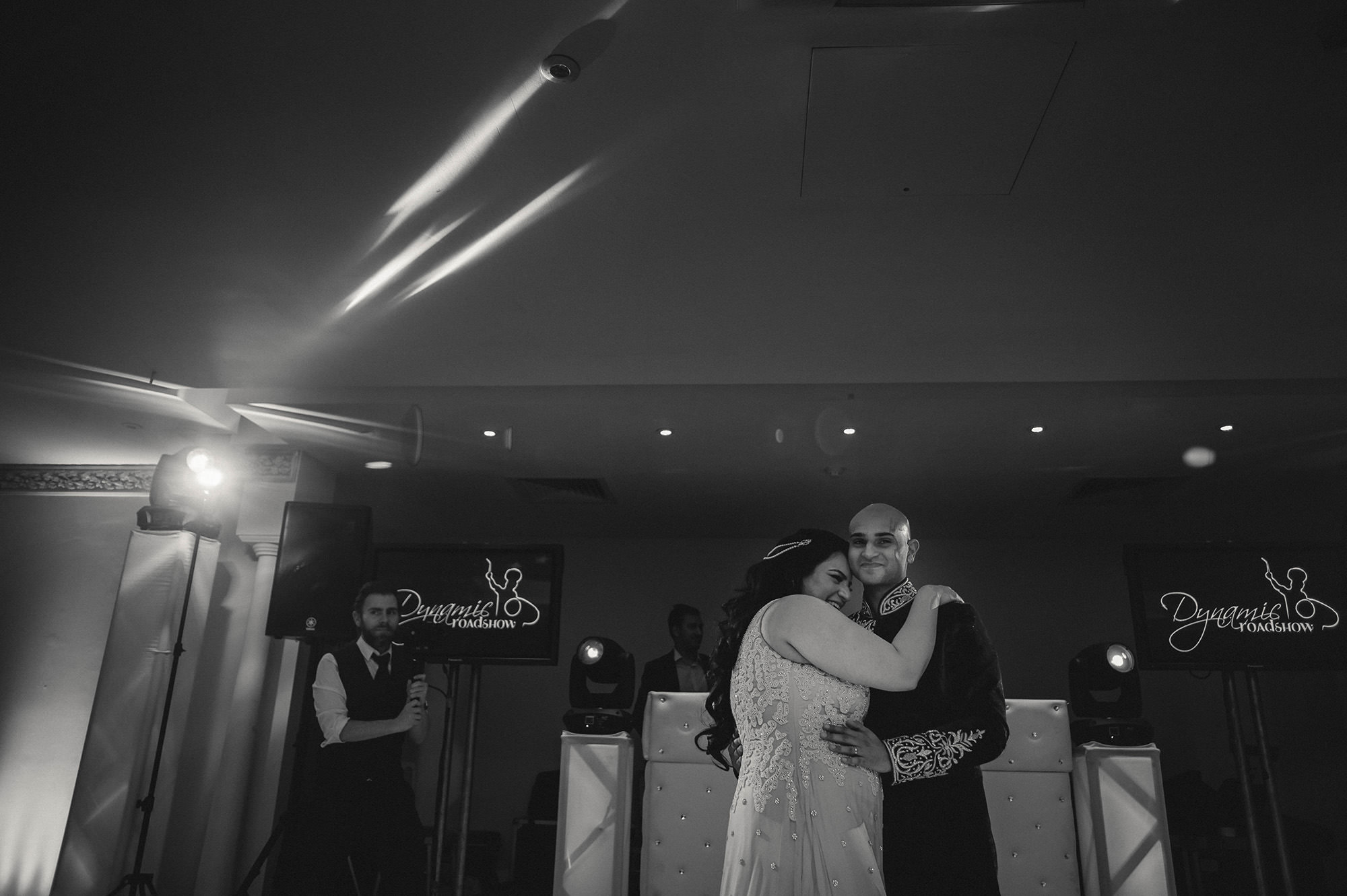 bride and groom first dance at froyle park