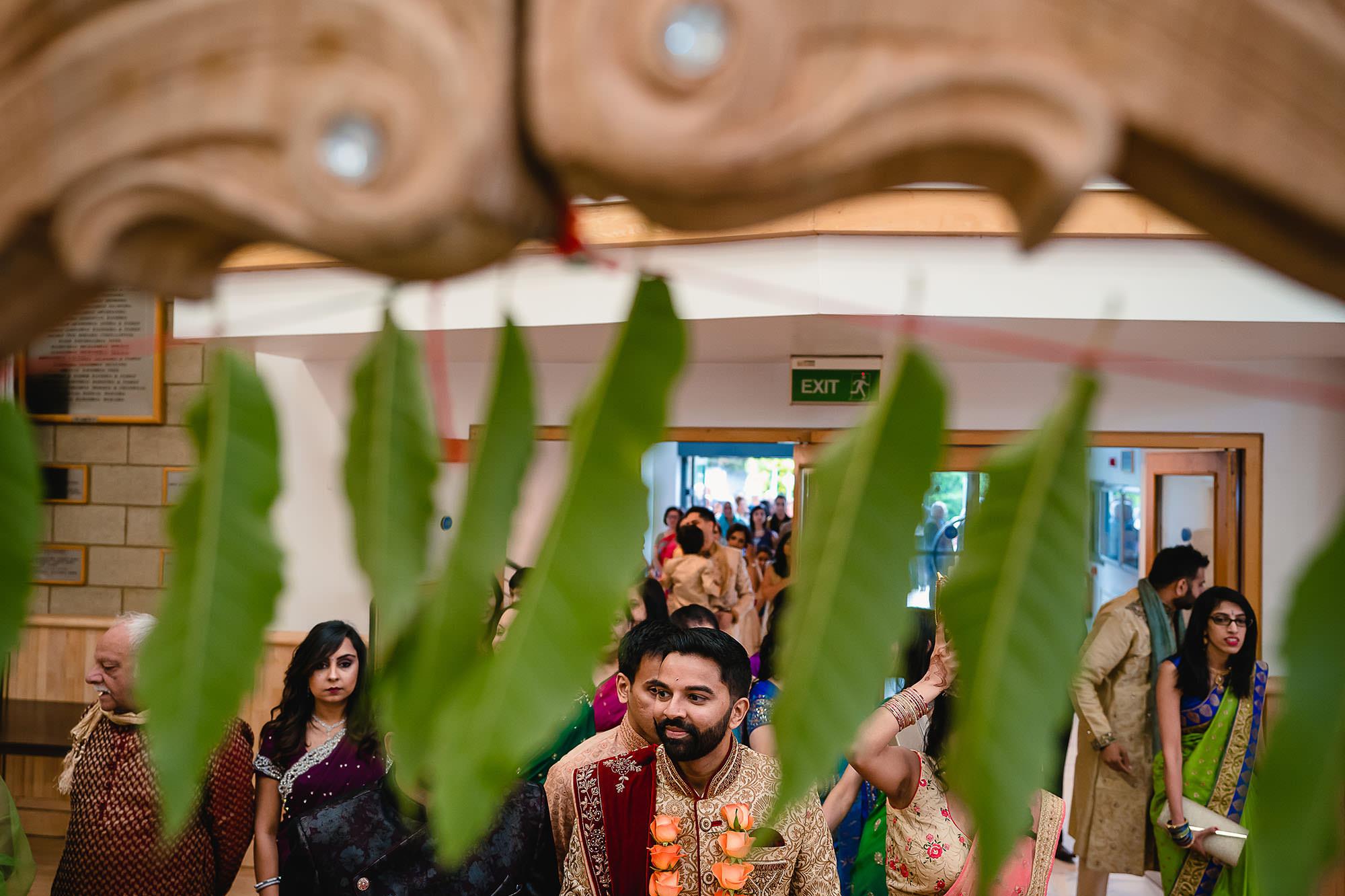 groom entrance at hindu wedding kp centre