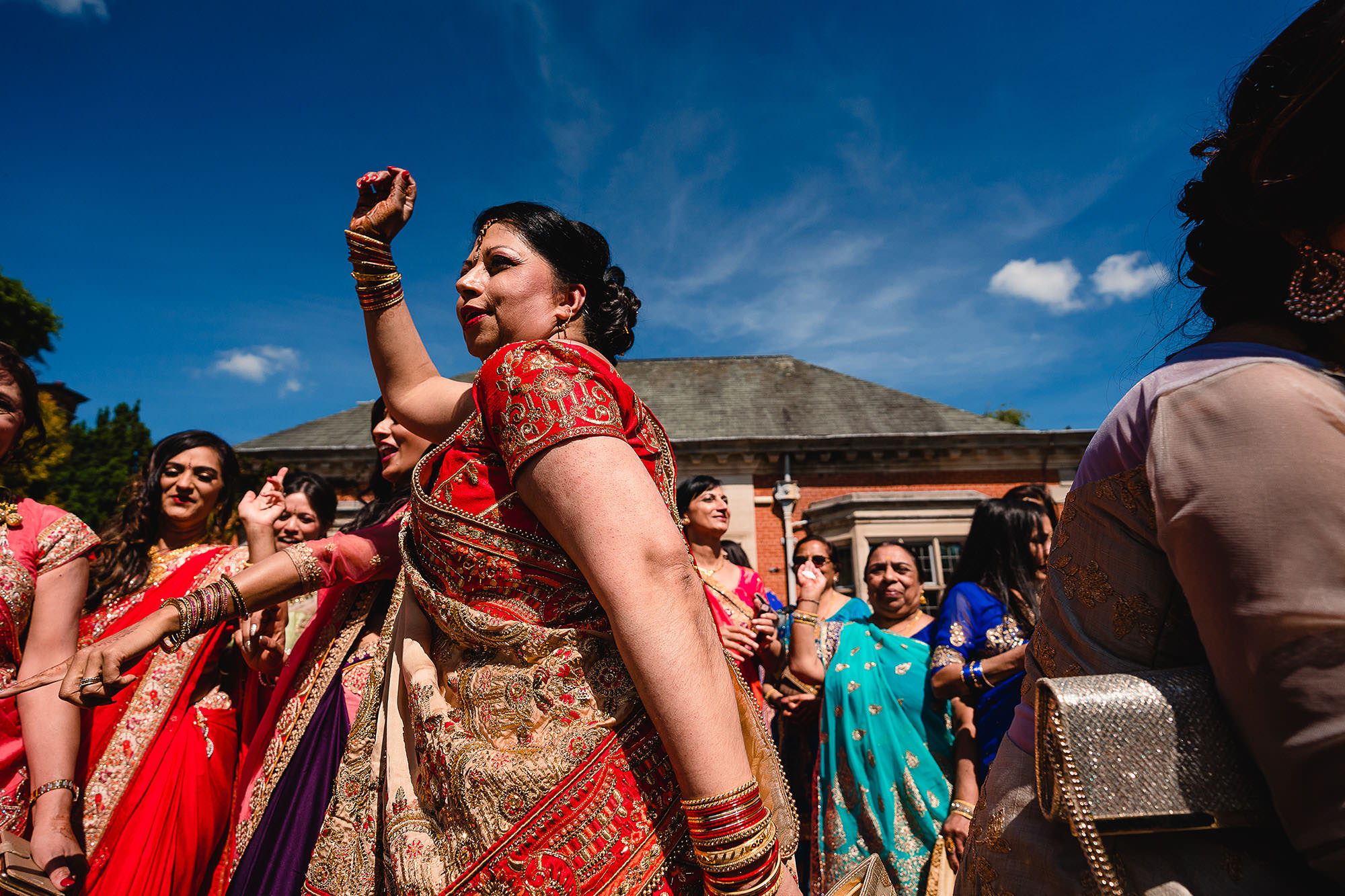 grooms mum dancing during entrance