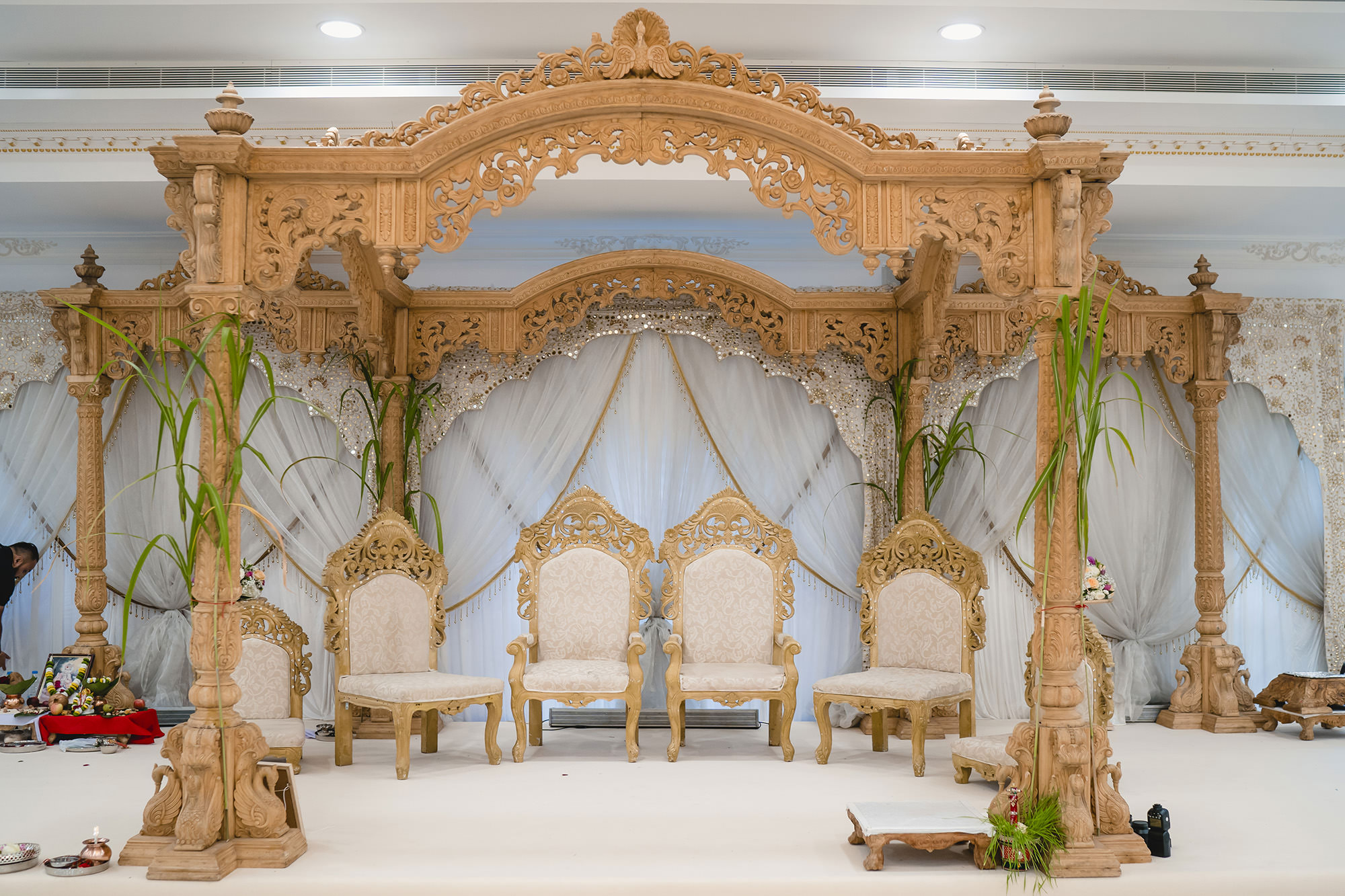 hindu wedding mandap and decor