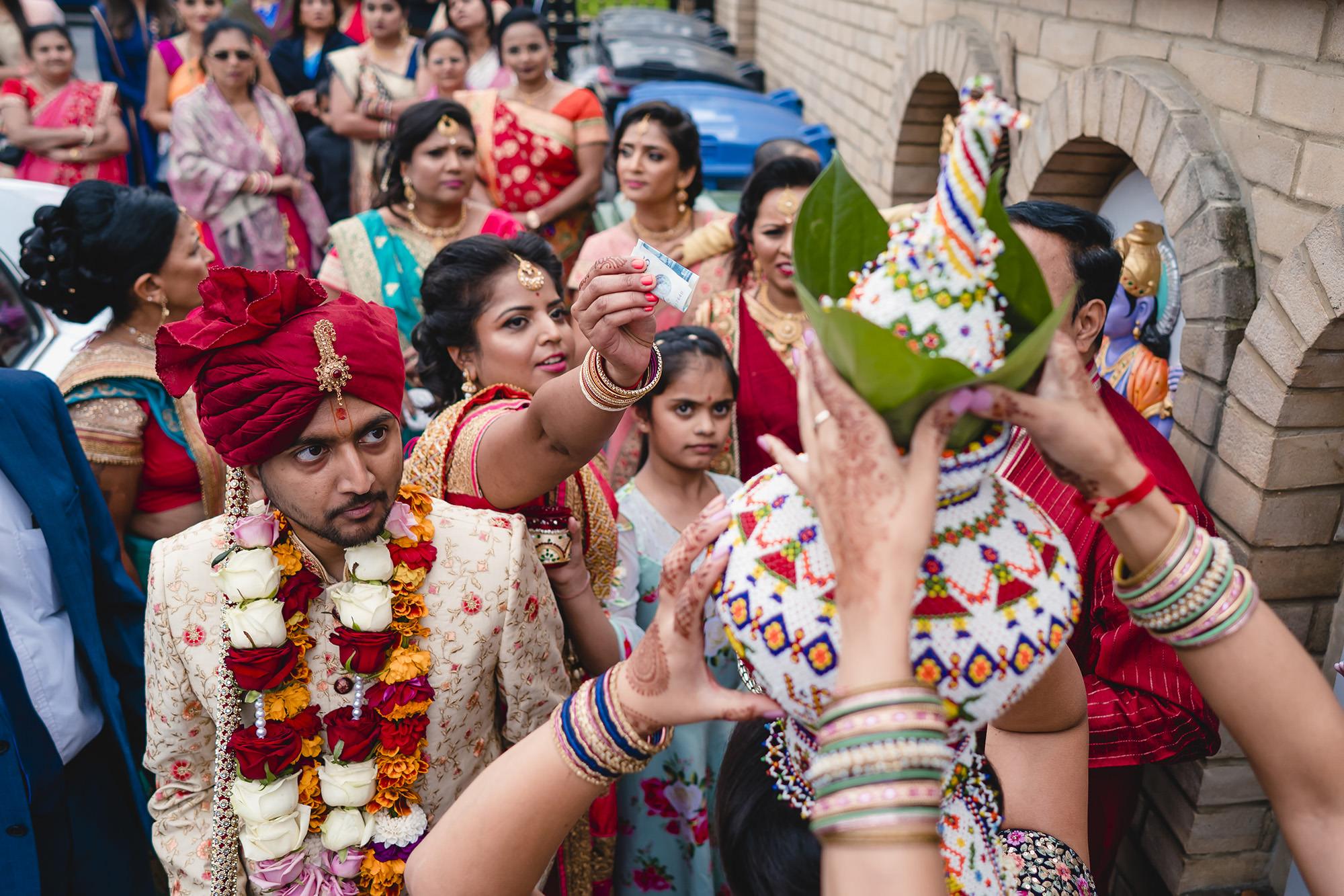 groom entrance for hindu wedding