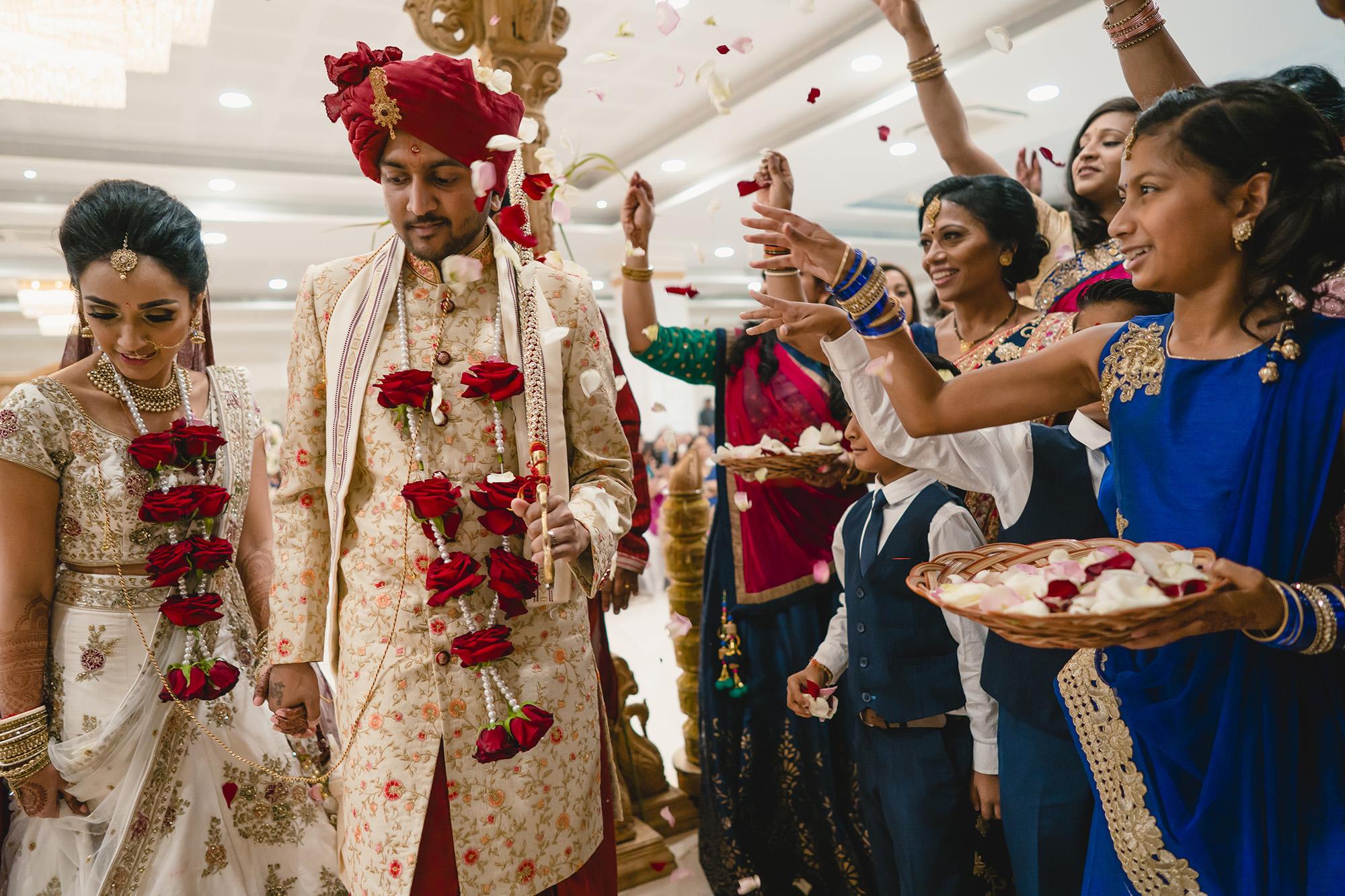 hindu bride and groom fera