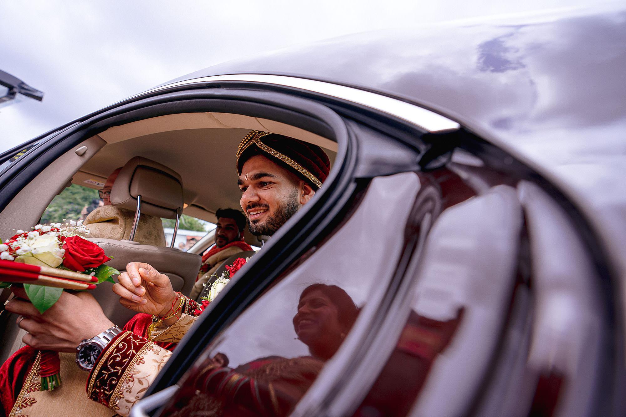 groom entrance hindu wedding devan jigna