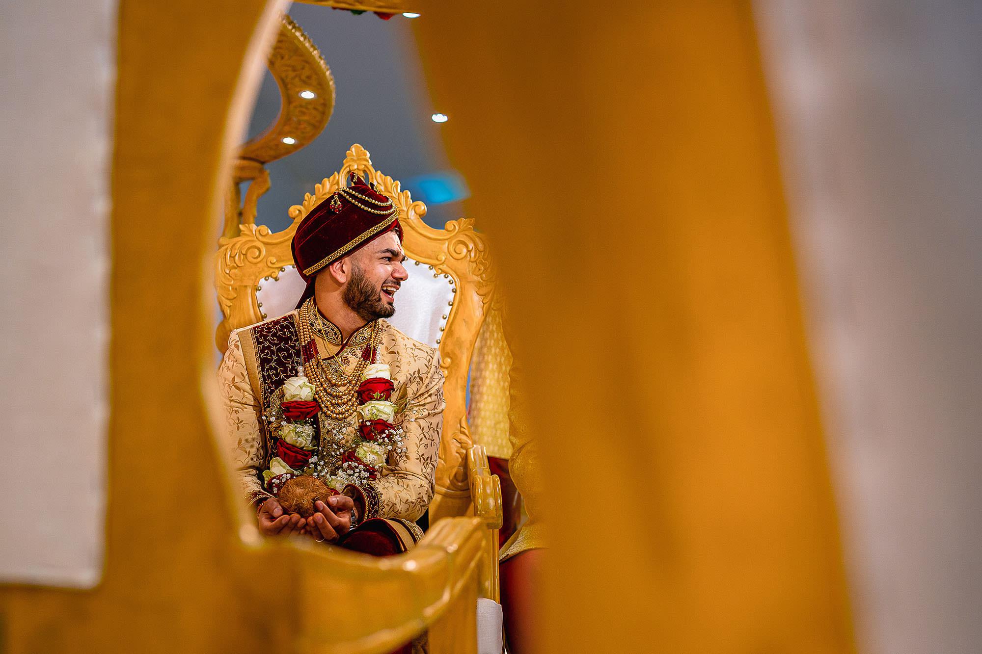 groom waiting in mandap hindu wedding leicester devan jigna