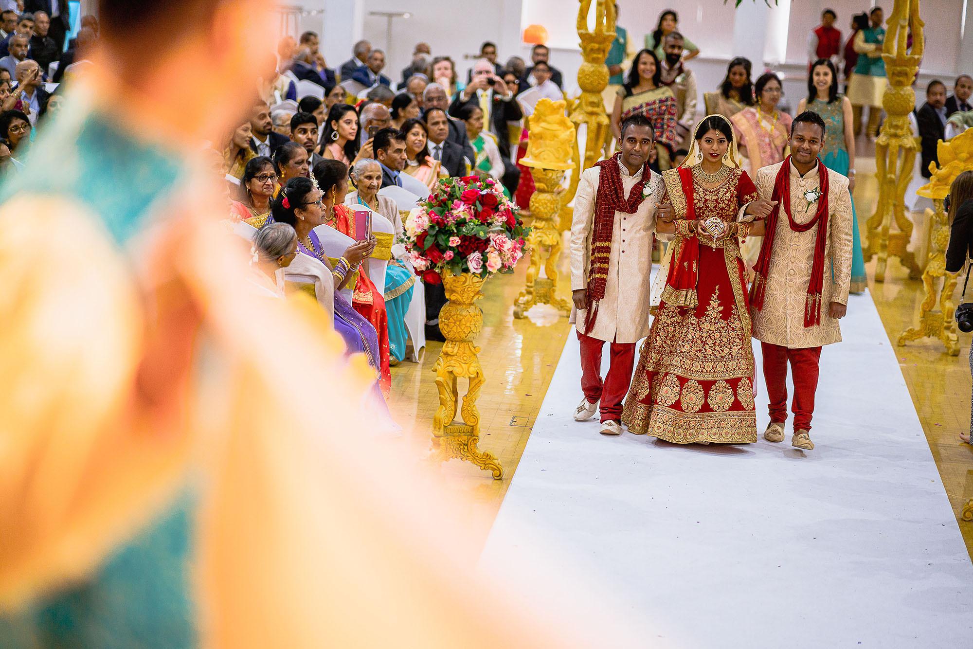 bride entrance hindu wedding devan jigna