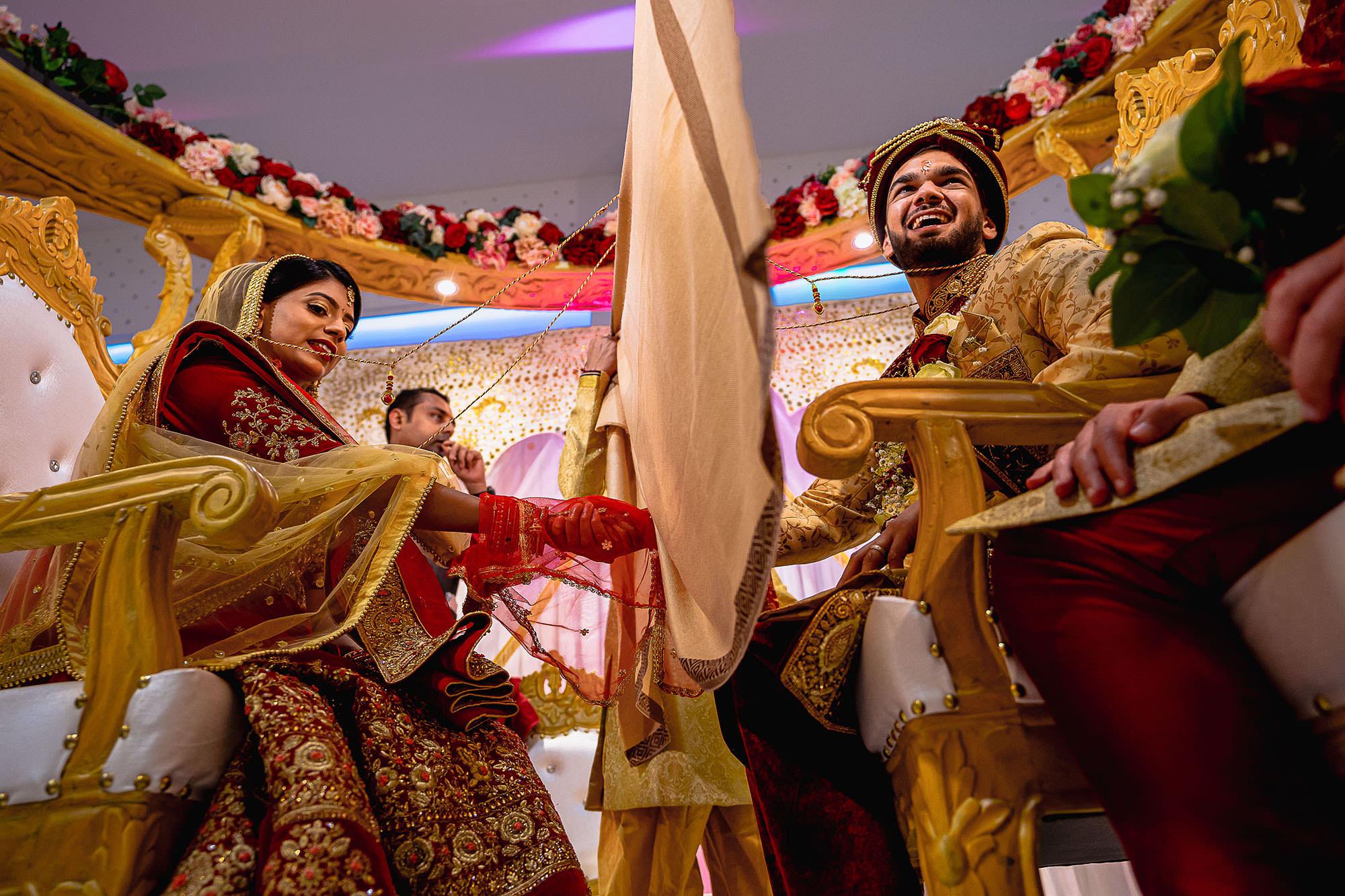 bride and groom blessings hindu wedding devan jigna