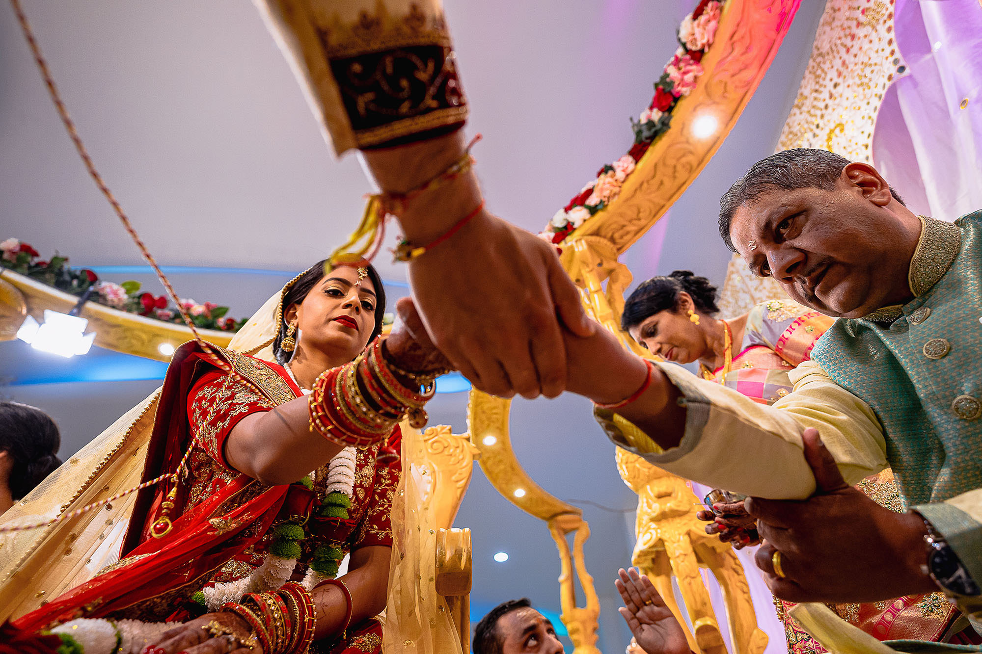 bride and groom asian hindu wedding devan jigna