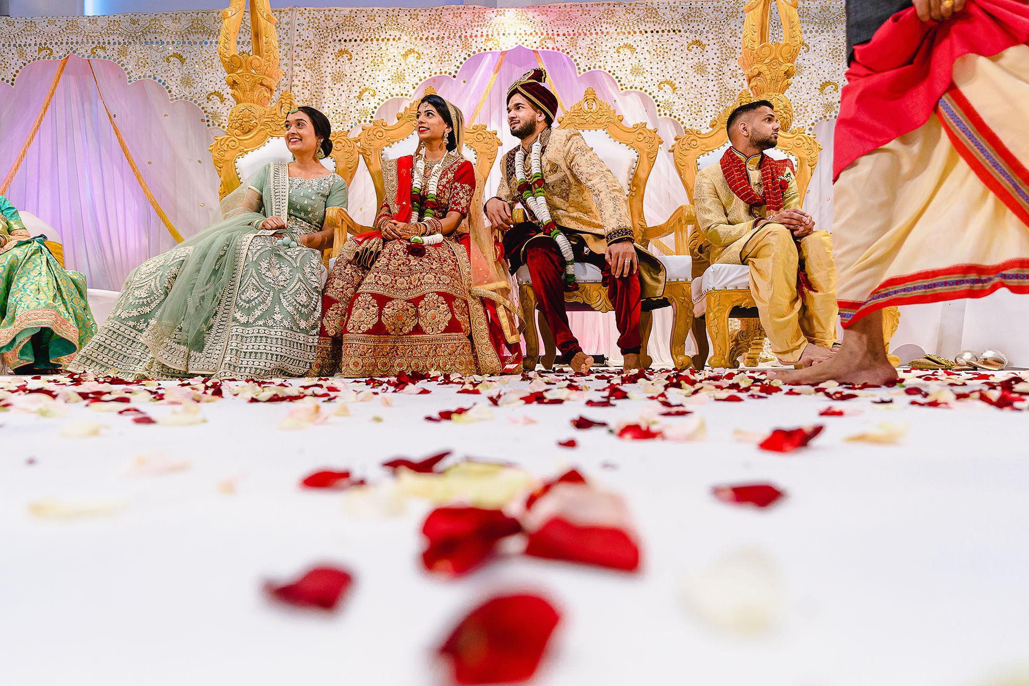 creative hindu wedding pictures devan jigna