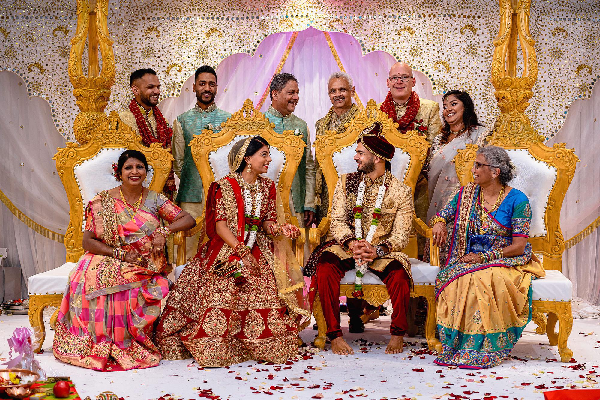 creative family portraits hindu wedding devan jigna
