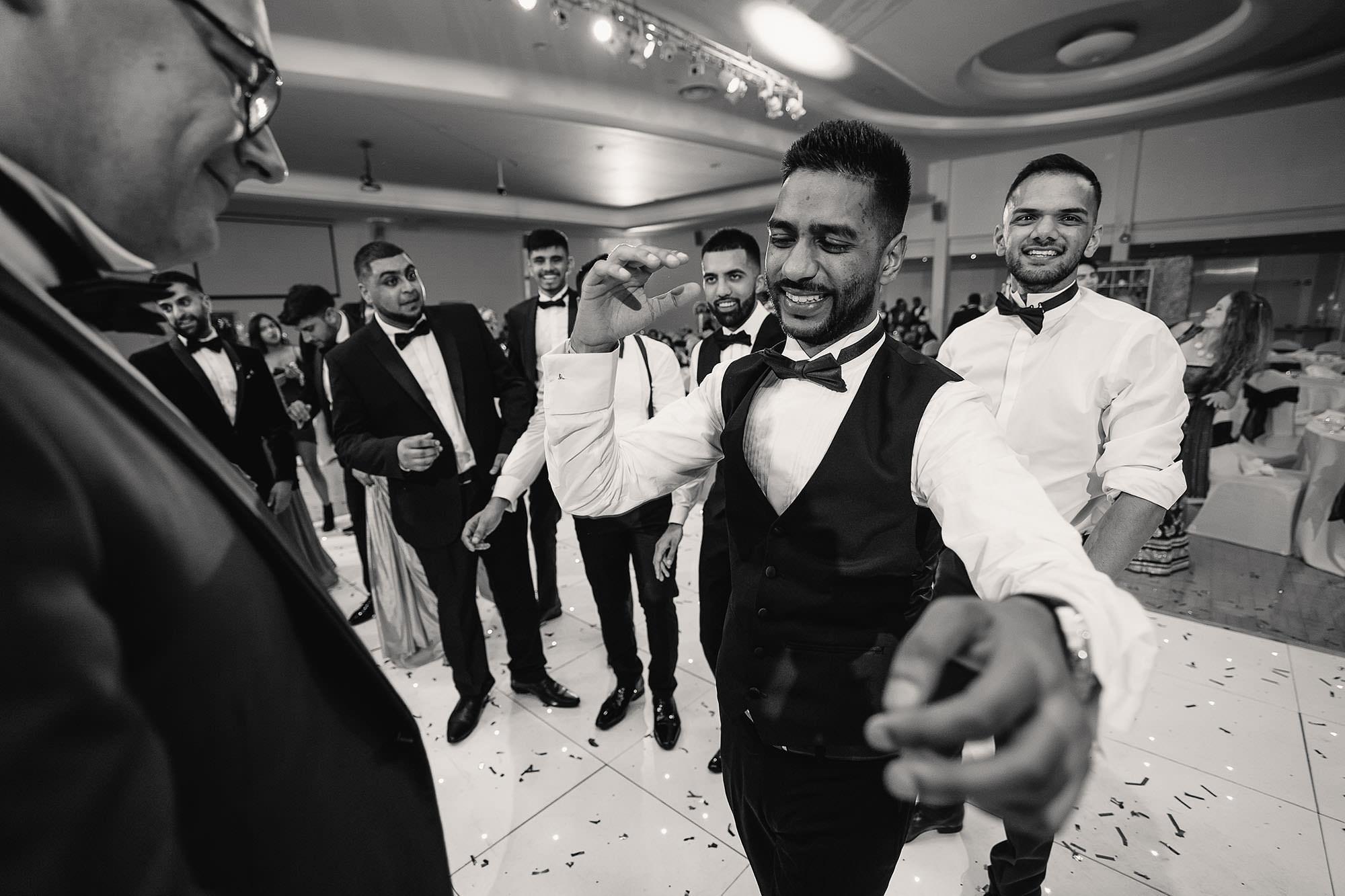 fun natural wedding photography devan jigna