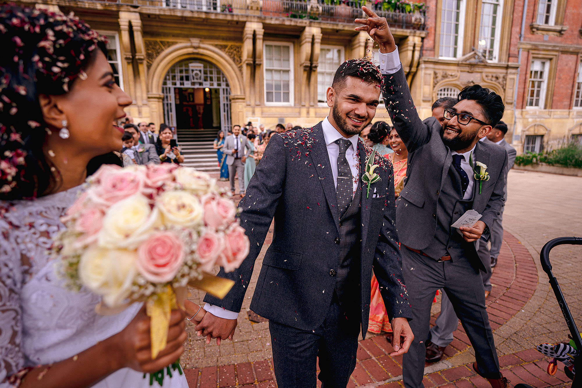 bride and groom confetti fun devan jigna
