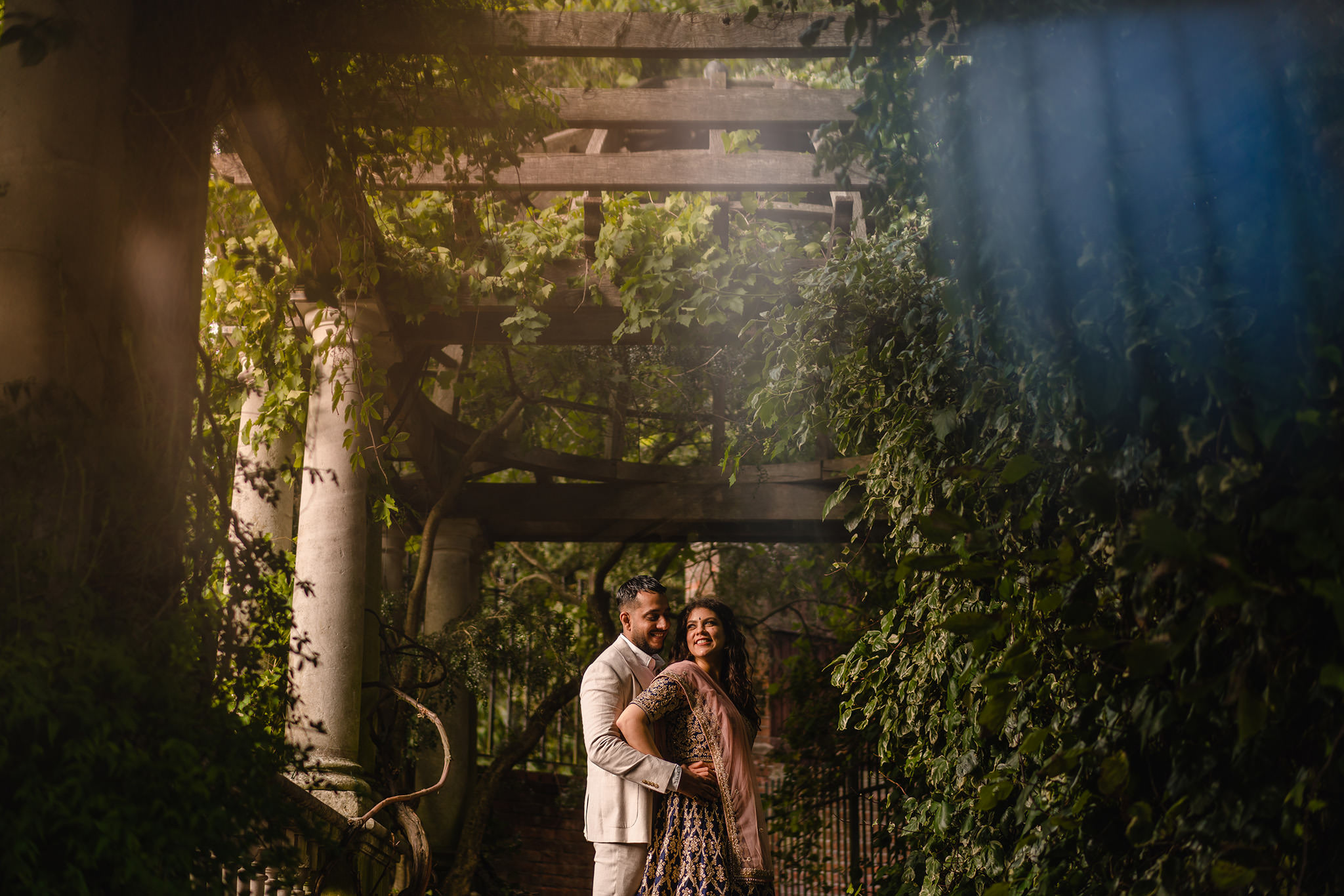 Hampstead Pergola Gardens prewedding shoot
